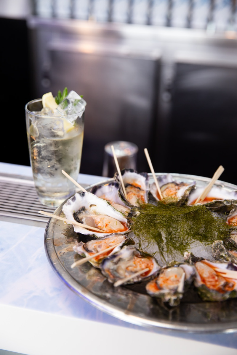 Pair of White Walker Highball & Sydney Rock Oysters with Fermeted Calabrian Chilli Vinegar_White Walker by Johnnie Walker Launch_Wed 5 Dec_Credit Yasmin Mund