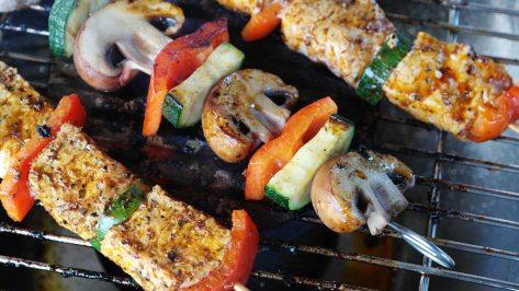 meat-vegetables-gemuesepiess-mushrooms-111131