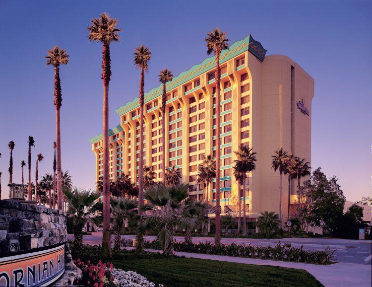 Disneys-Paradise-Pier-Hotel-750x578.jpg