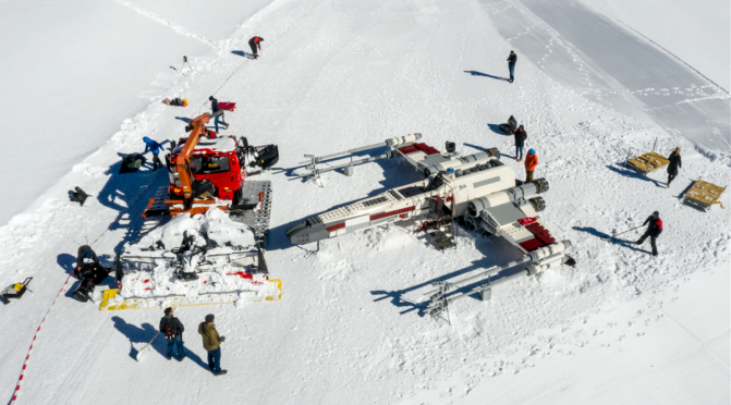 Star Wars' life size X-Wing made out of Lego